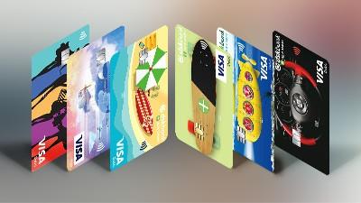 Дебитни карти от Банка ДСК за малки и големи